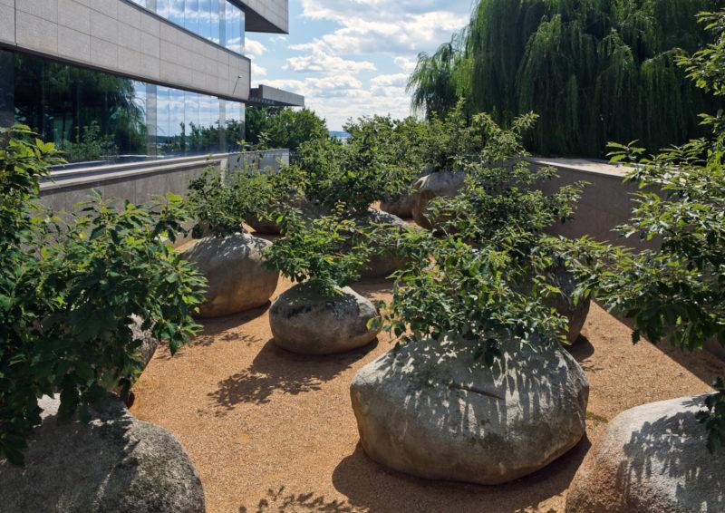 Как выглядят мемориалы жертвам Холокоста в мире (фото 10)