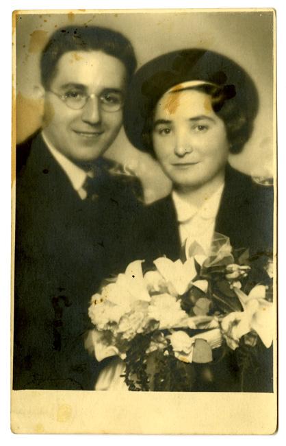 Wedding photo of Walter Berman and Regina Halbrecht.