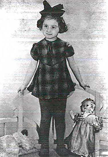 Photograph of Mala Silberberg at age 2 ½, 1942.